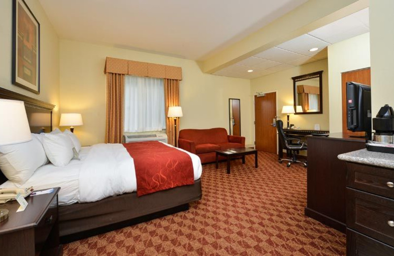 Guest Room at Comfort Suites Eugene
