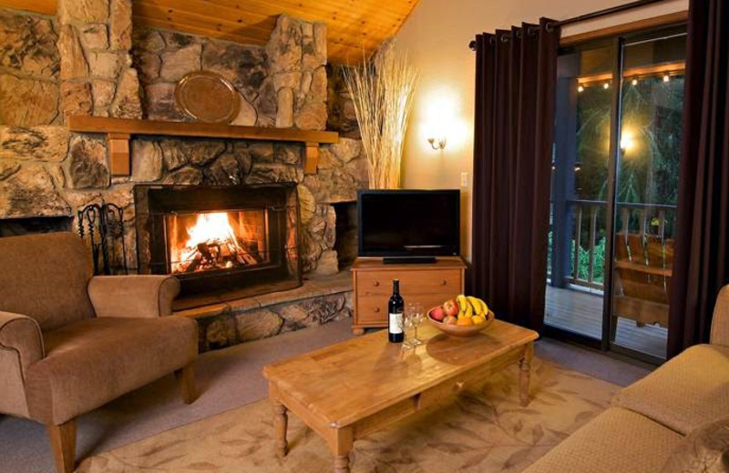 Guest living room at Alta Crystal Resort at Mt. Rainier.