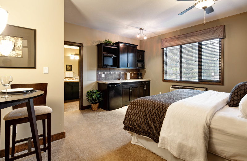 Guest bedroom at Bighorn Meadows Resort.