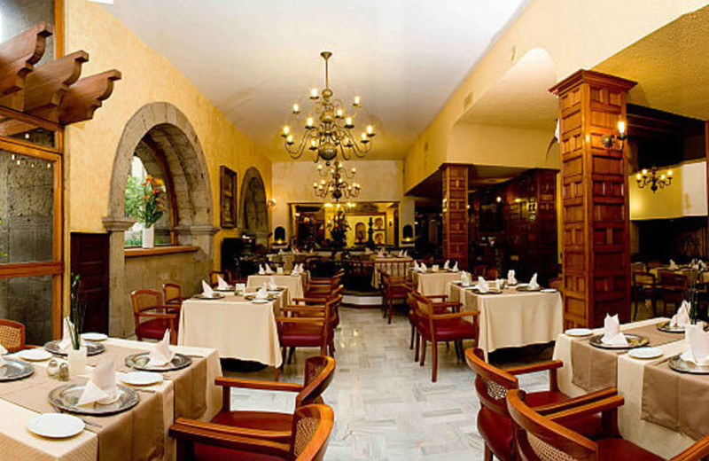 Dining at Hotel de Mendoza.