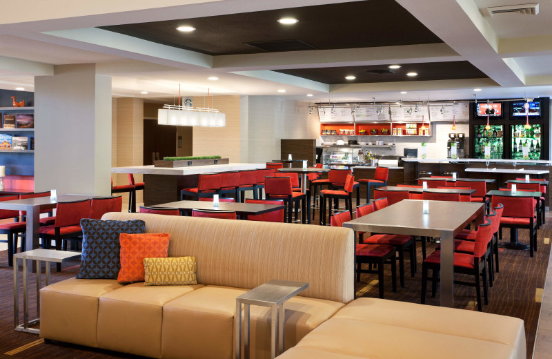Dining at Courtyard by Marriott Phoenix Chandler.