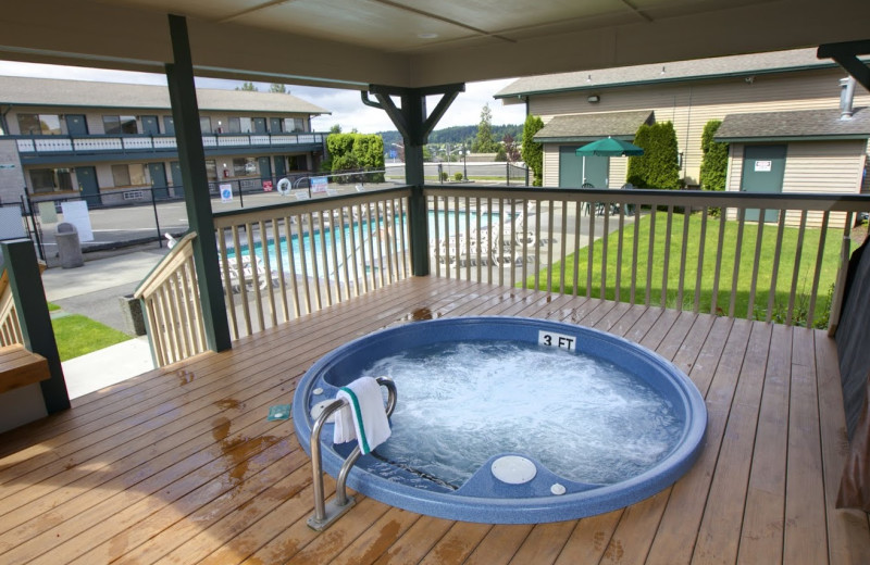 Hot tub at Poulsbo Inn and Suites.