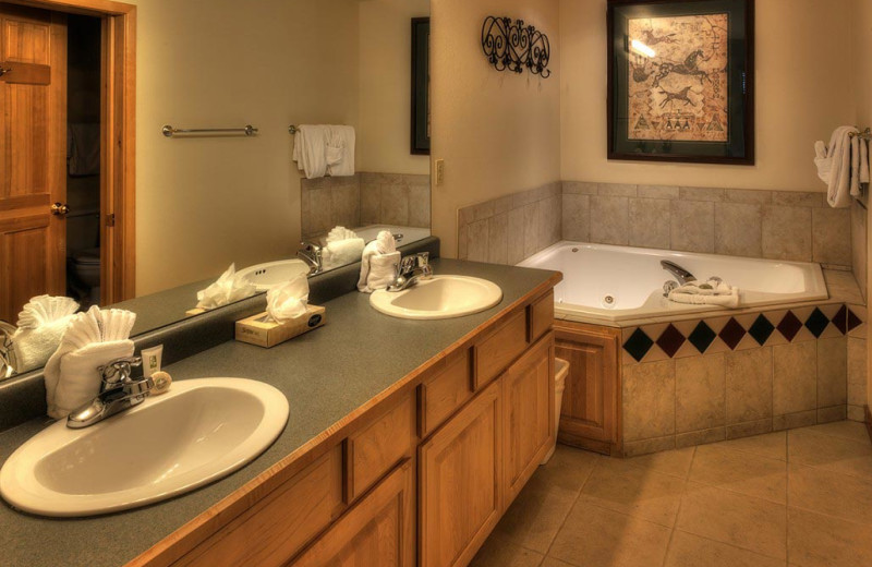 Guest bathroom at Grand Timber Lodge.