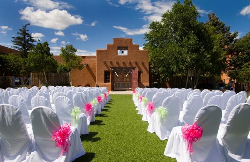 Outdoor wedding at The Lodge at Santa Fe.