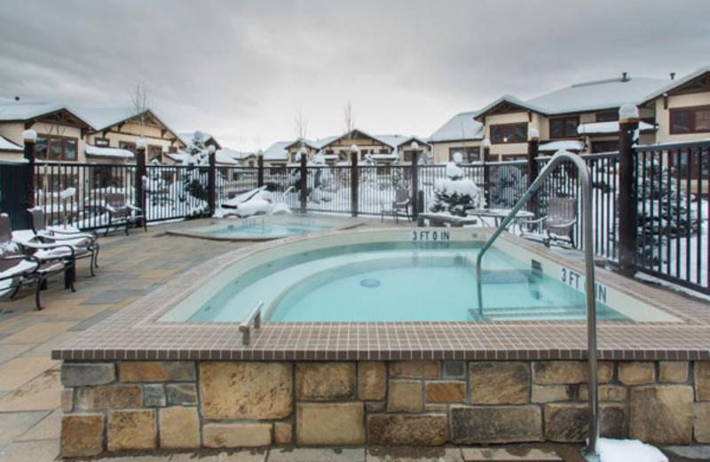 Hot tub at EagleRidge Lodge.