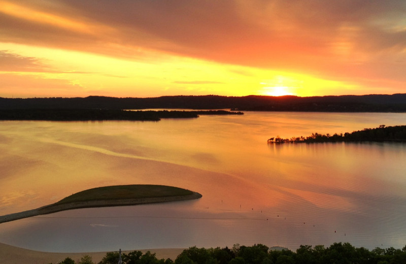 Sunset view on Table Rock Lake
