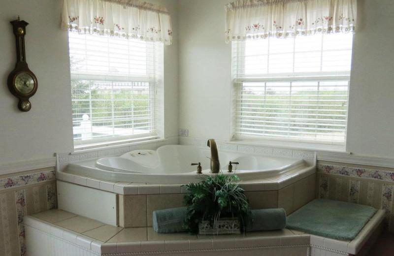 Hot tub at Judith Ann Inn.