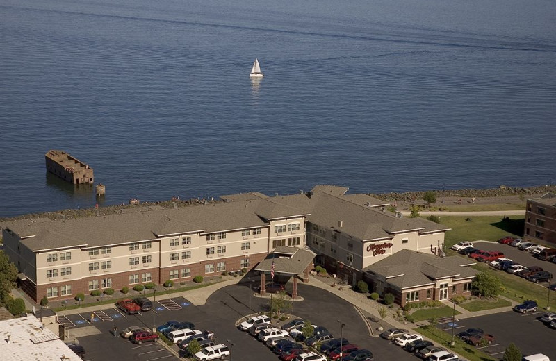 Aerial view of Hampton Inn Duluth.