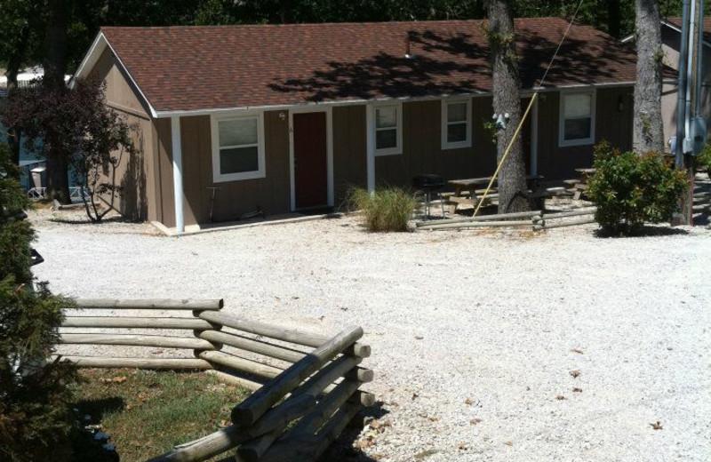 Exterior view of cabin at Artilla Cove Resort.