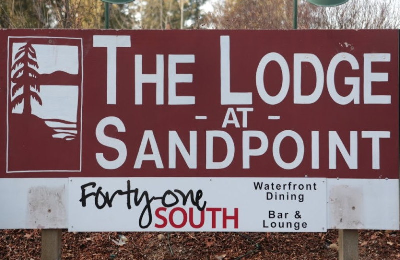 The Lodge at Sandpoint sign.