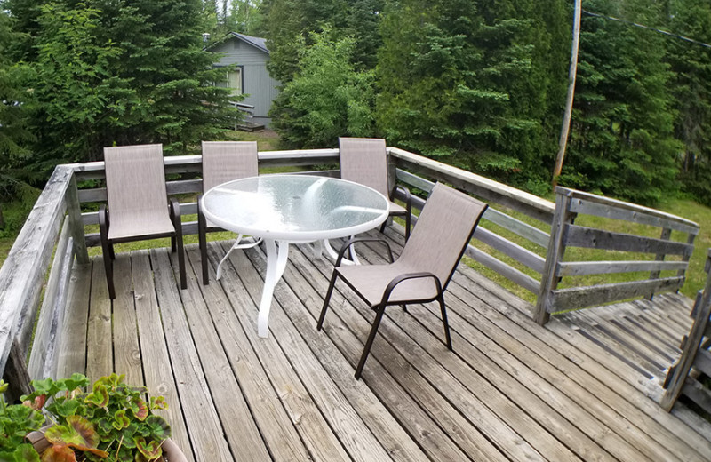 Guest deck at Nor'Wester Lodge