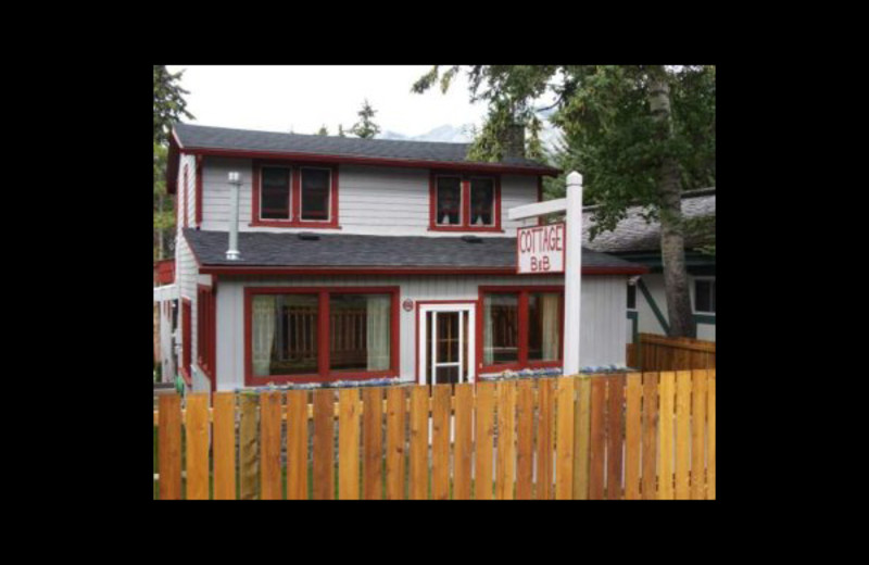 Exterior view of Cottage Bed & Breakfast.