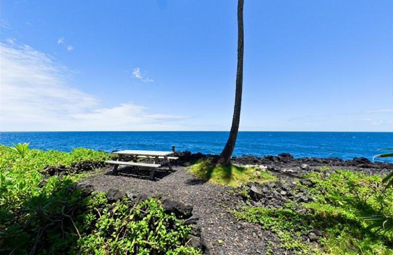 Private picnic area at Big Island Vacation Rentals.