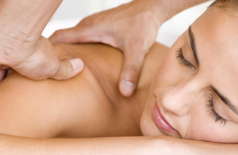 Back massage at Northumberland Heights Wellness Retreat and Spa.