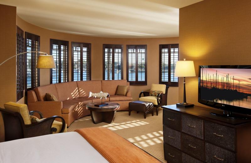 Guest room at Best Western Jamaica Bay Inn.