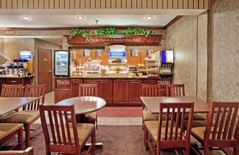 Breakfast dining room at Holiday Inn Express Osage Beach.