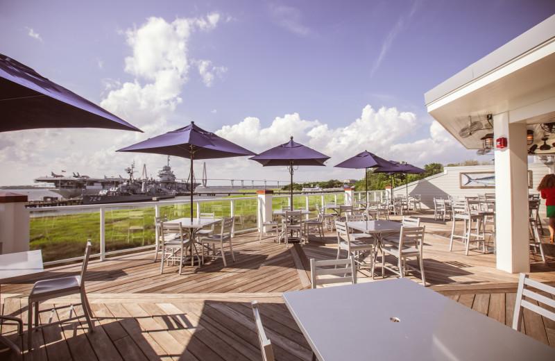 Dine outdoors at Charleston Harbor Resort