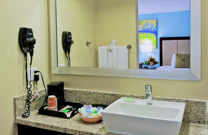Guest bathroom at Silver Palms Inn.