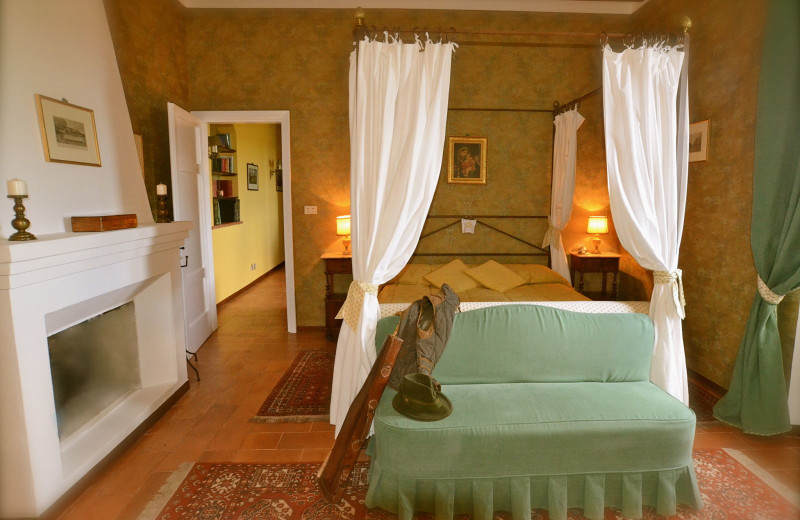 Guest suite at La Ghirlanda.