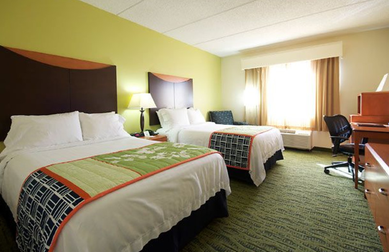 Guest Room at the Fairfield Inn & Suites Hickory