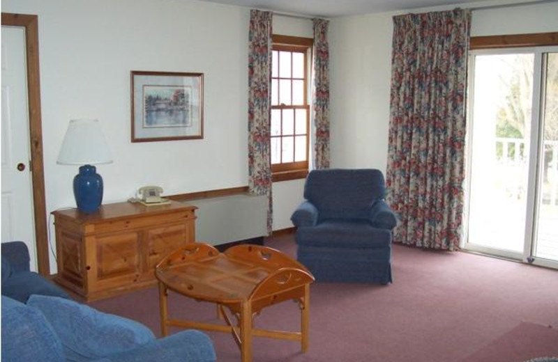 Guest room sitting area at The Inn at Willow Pond.