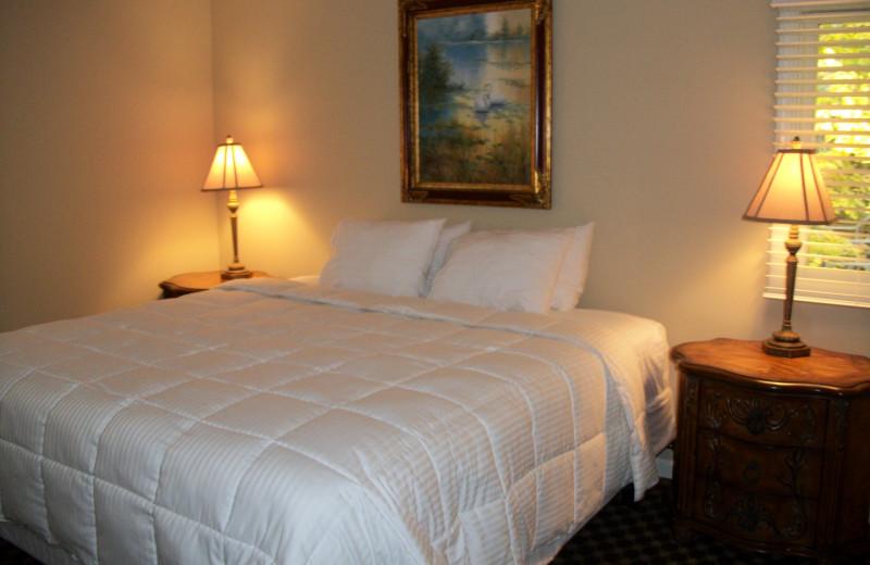 Guest bedroom at Michillinda Beach Lodge.