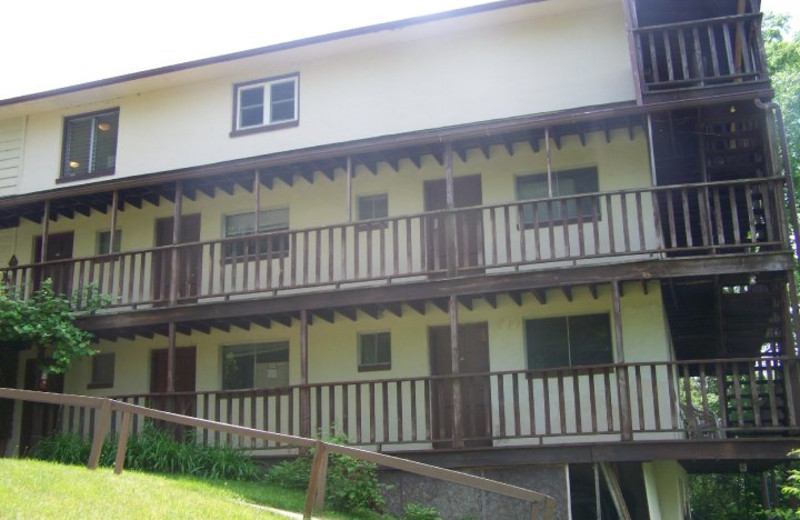 Exterior View of Finger Lakes Waterfall Resort