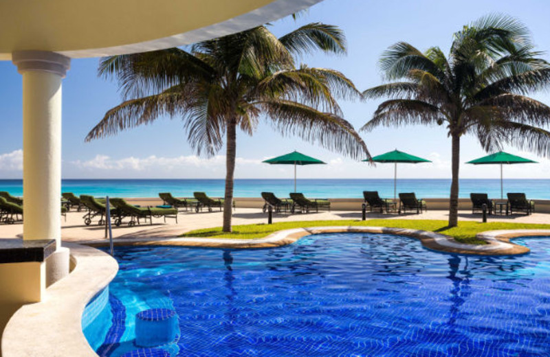 Outdoor pool at JW Marriott Cancun.