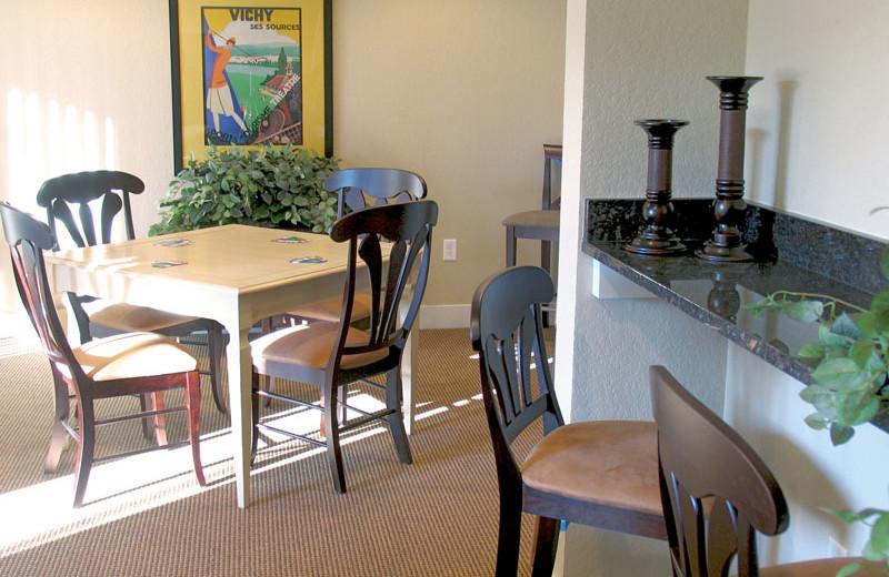 Guest dining room at Devils Head Resort