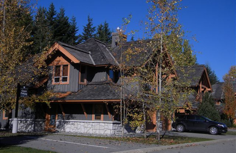 Rental exterior of Peak to Green Accommodations Inc.