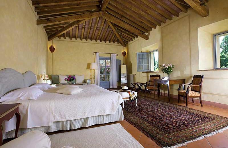 Guest room at Locanda dell'Amorosa.