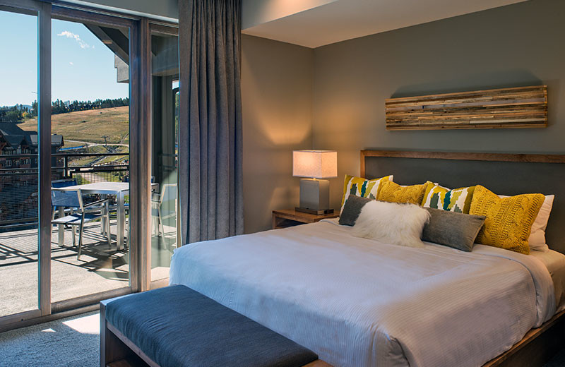 Guest bedroom at Grand Colorado on Peak 8.