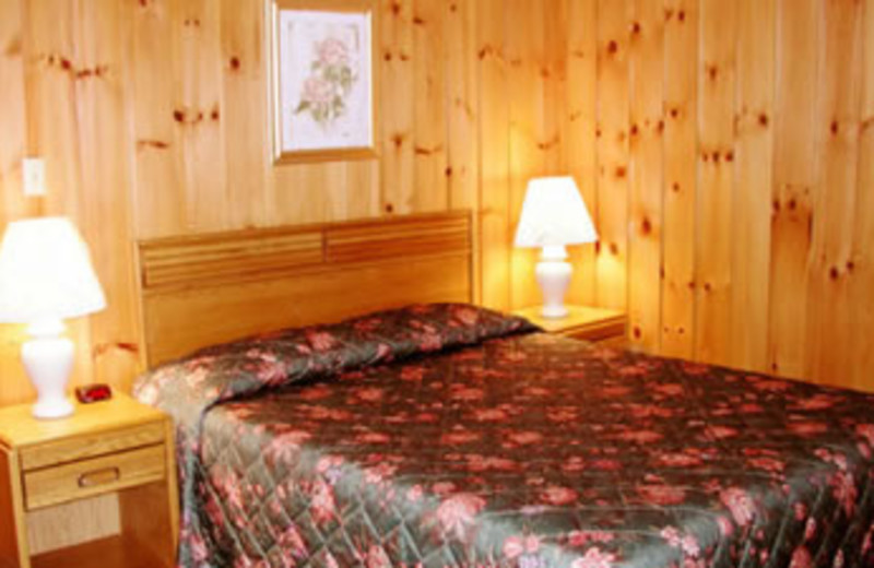 Guest Room at Woodlake Inn