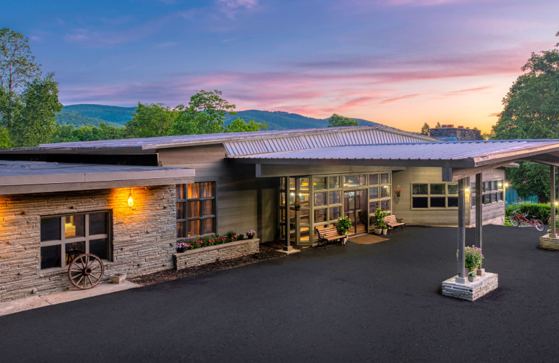 Exterior view of Roaring Brook Ranch Resort & Conference Center.