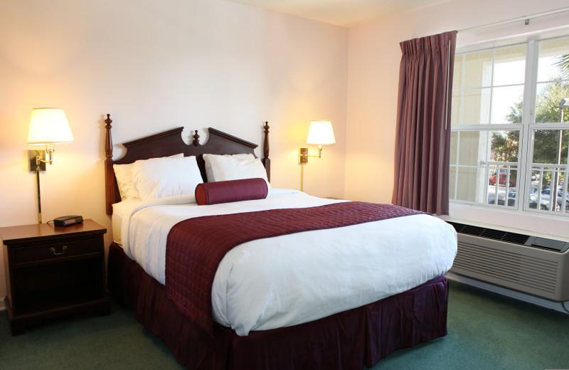 Guest room at Cayo grande Suites Hotel.