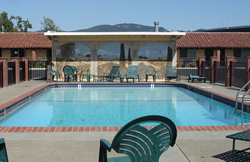 Outdoor pool at Wine Valley Lodge.