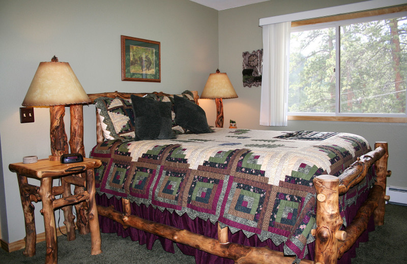 Guest bedroom at Fawn Valley Inn.