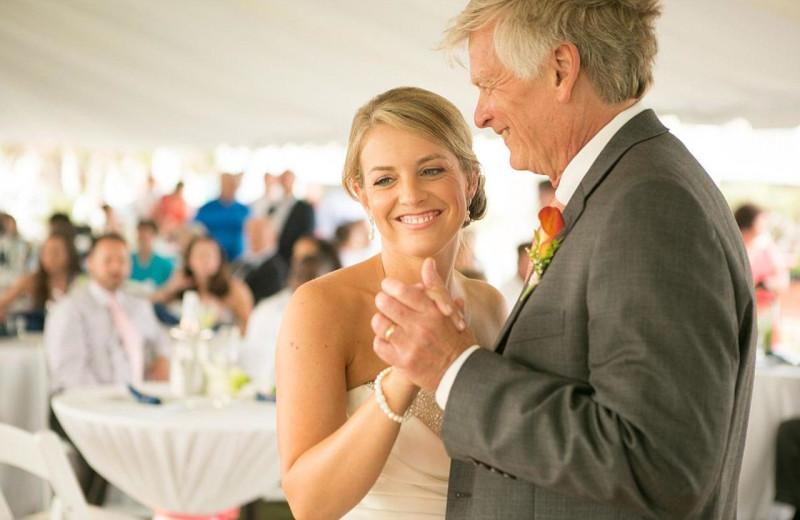 Weddings at Islander Hotel & Resort.