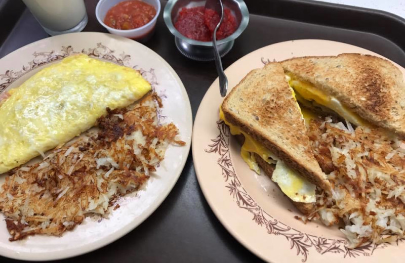 Breakfast at Arrowhead Lodge & Resort.