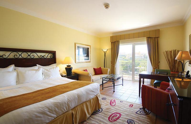 Guest room at Marriott Praia D'el Rey Golf & Beach Resort.