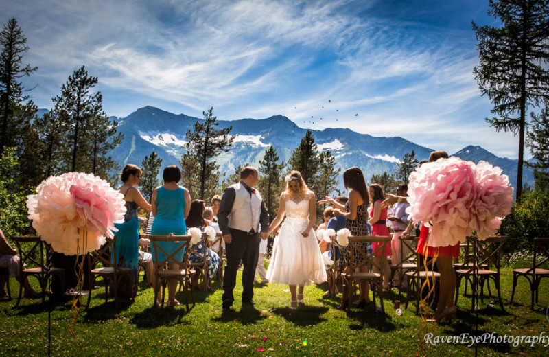 Wedding near Red Tree Lodge.