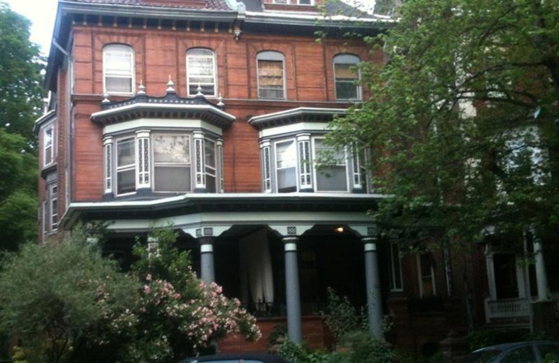 Exterior view of Inn Between Bed & Breakfast.