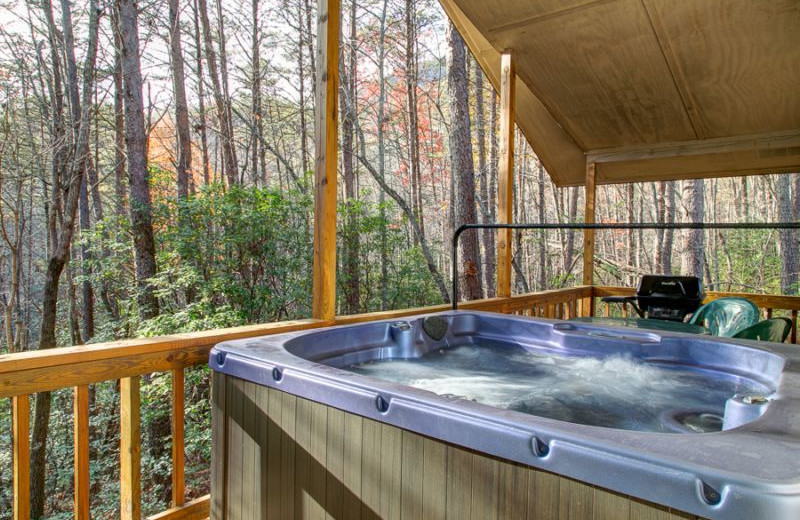 Rental hot tub at Georgia Mountain Rentals.