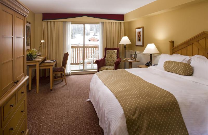 Guest room at Delta Sun Peaks Resort.