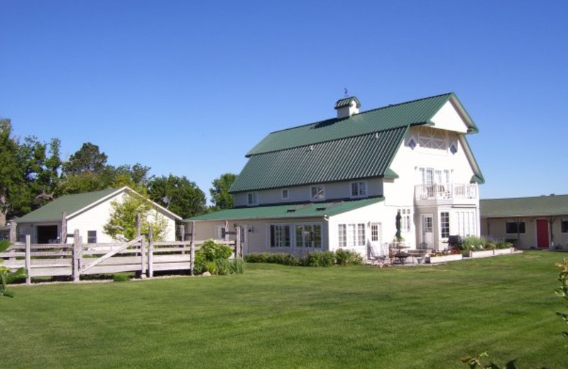 Exterior view of Barn Anew Bed and Breakfast.