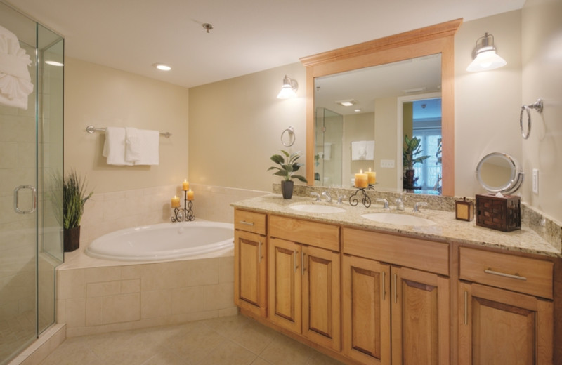 Guest bathroom at The Residences at Biltmore.