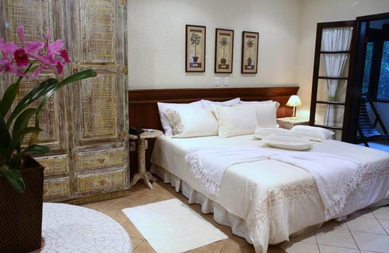 Guest room at Refugio Cheiro De Mato.