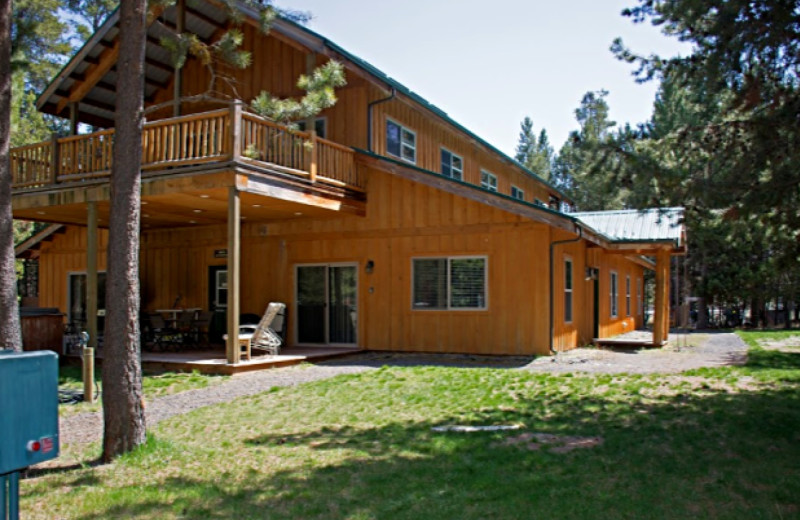 Exterior view of DiamondStone Guest Lodge.