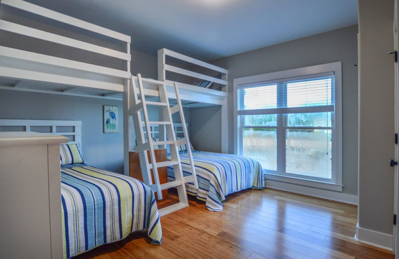 Rental bunk beds at Luna Beach Properties.