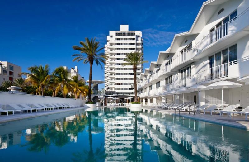 Exterior view of Shelborne Beach Resort.